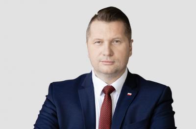 Minister Carnek